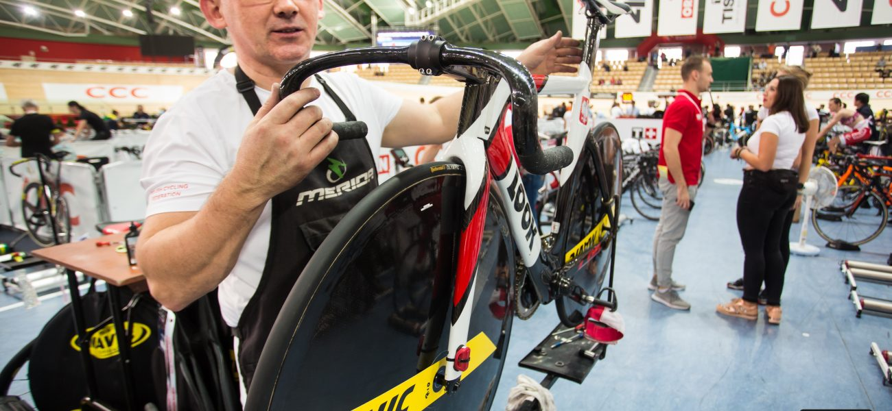 spacer po torze kolarskim, tor kolarski pruszkow kadra poslki look mavic track bike