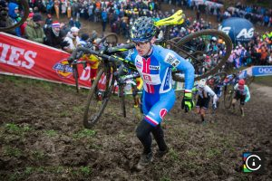 2018-UCI-Cyclo-Cross-World-Championships-Valkenburg-Limburg-day-2-Cat.-Mens-Elite_MG_6596-300x200