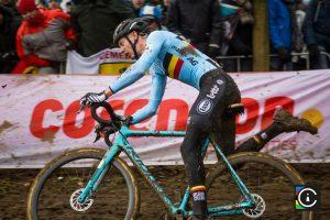 2018-UCI-Cyclo-Cross-World-Championships-Valkenburg-Limburg-day-2-Cat.-Mens-Elite_MG_6634-300x200
