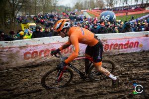 2018-UCI-Cyclo-Cross-World-Championships-Valkenburg-Limburg-day-2-Cat.-Mens-Elite_MG_6771-300x200