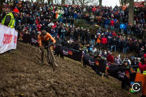2018-UCI-Cyclo-Cross-World-Championships-Valkenburg-Limburg-day-2-Cat.-Mens-Elite_MG_6831-300x200