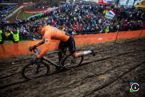 2018-UCI-Cyclo-Cross-World-Championships-Valkenburg-Limburg-day-2-Cat.-Mens-Elite_MG_6855-300x200