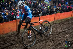 2018-UCI-Cyclo-Cross-World-Championships-Valkenburg-Limburg-day-2-Cat.-Mens-Elite_MG_6868-300x200
