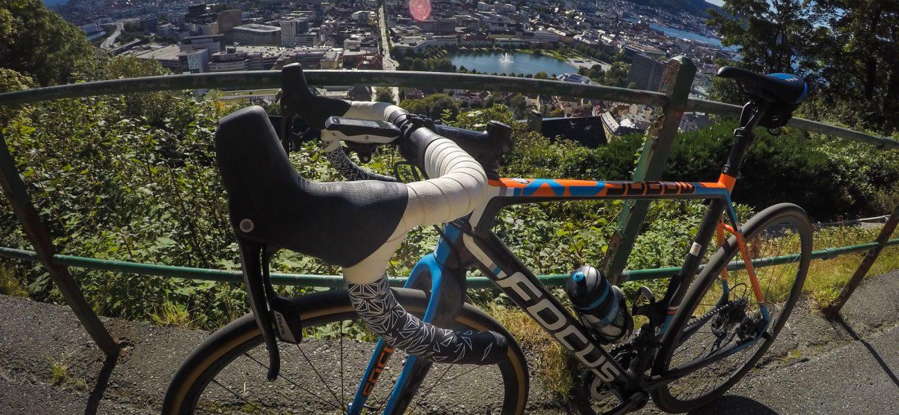 rowerem w centrum bergen.